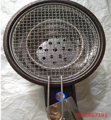 Bếp nướng than hoa có quạt thổi than chạy bằng pin